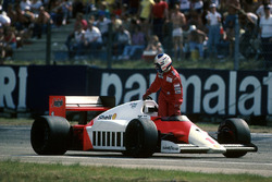 Alain Prost, McLaren MP4/2C ran out of fuel