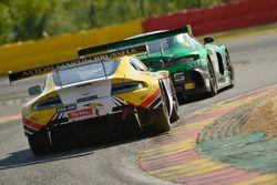 #100 Brussels Racing Aston Martin V12 Vantage: Tim Verbergt, Koen Wauters, Sam Dejonghe, Nicolas Van Dierendonck