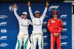 LTR: Valtteri Bottas, Mercedes AMG F1, Lewis Hamilton, Mercedes AMG F1 and Kimi Raikkonen, Ferrari