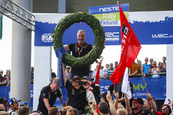 Ganadores Ott Tanak, Martin Järveoja, Toyota Yaris WRC, Toyota Gazoo Racing, Tommi Makinen