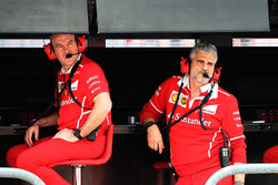 Jock Clear, Ferrari Chief Engineer and Maurizio Arrivabene, Ferrari Team Principal