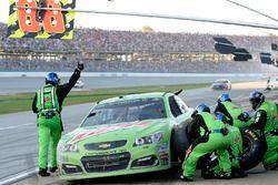 Dale Earnhardt Jr., Hendrick Motorsports Chevrolet, makes a pit stop