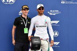 Lewis Hamilton, Mercedes-AMG F1 z nagrodą Pirelli Pole Position Award