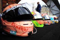 Les casques des pilotes Porsche GT