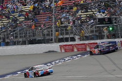Kyle Busch, Joe Gibbs Racing, Toyota Camry M&M's Red White & Blue Denny Hamlin, Joe Gibbs Racing, To
