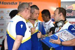 Des techniciens Michelin
