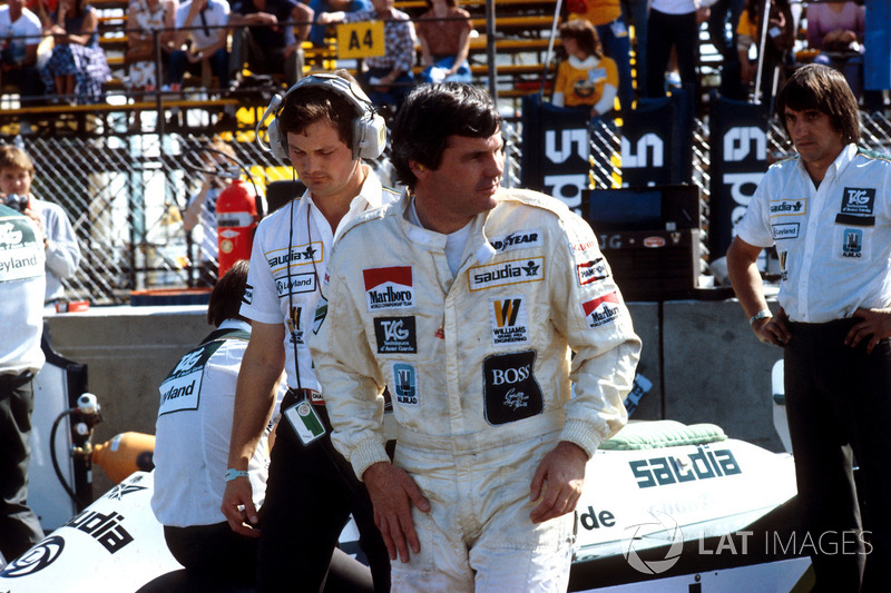 Alan Jones, Williams, with Frank Dernie behind