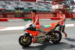Une moto Ducati Team