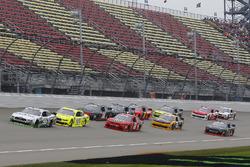 Kevin Harvick, Biagi-DenBeste Racing, Ford Mustang FIELDS and Paul Menard, Team Penske, Ford Mustang