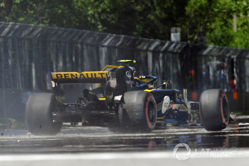 Carlos Sainz Jr., Renault Sport F1 Team R.S. 18 percute le mur