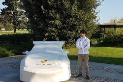 Alessio Rovera, Tsunami RT, con la sua Porsche 911 GT3 Cup, sotto il telo