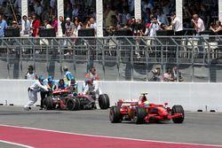 Фелипе Масса, Ferrari F2008, Льюис Хэмилтон, McLaren Mercedes MP4/23