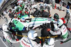 Jenson Button, Honda RA108, pit stop
