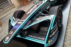 Jaguar I-Type II, dettaglio dell'avantreno
