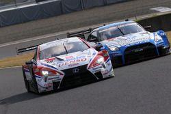 #39 DENSO KOBELCO SARD LC500と#24 フォーラムエンジニアリング ADVAN GT-R