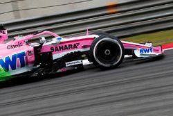 Flow-Viz verf op de wagen van Sergio Perez, Force India VJM11 Mercedes