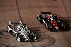 Josef Newgarden, Team Penske Chevrolet passes Robert Wickens, Schmidt Peterson Motorsports Honda for