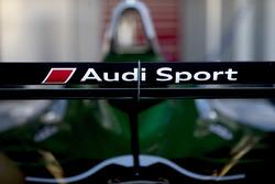 Le logo Audi sur l'aileron arrière de la voiture de Lucas di Grassi, Audi Sport ABT Schaeffler