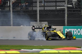 Daniel Ricciardo, Renault F1 Team R.S.19, locks up