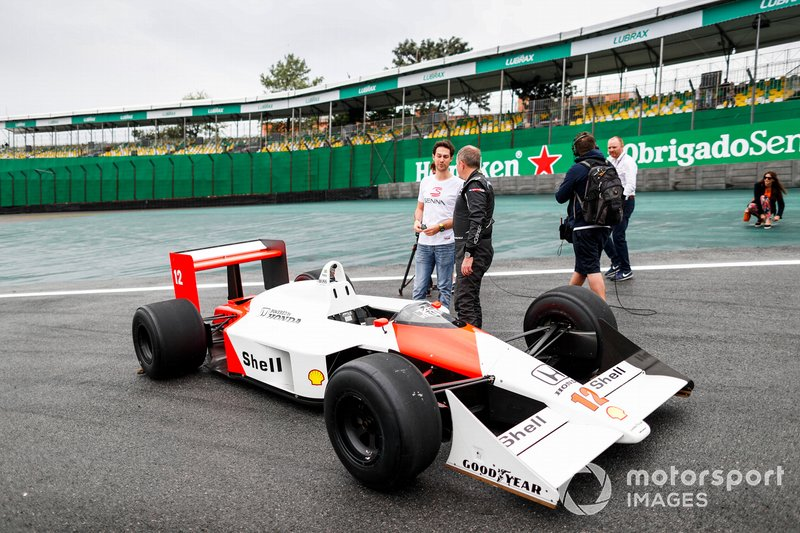 Bruno Senna y Martin Brundle, Sky TV con el McLaren MP4/4