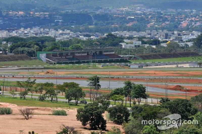 Em 2014, o Autódromo Nelson Piquet receberia uma corrida, mas as obras não ficaram prontas a tempo.