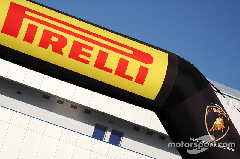 Insegna Pirelli