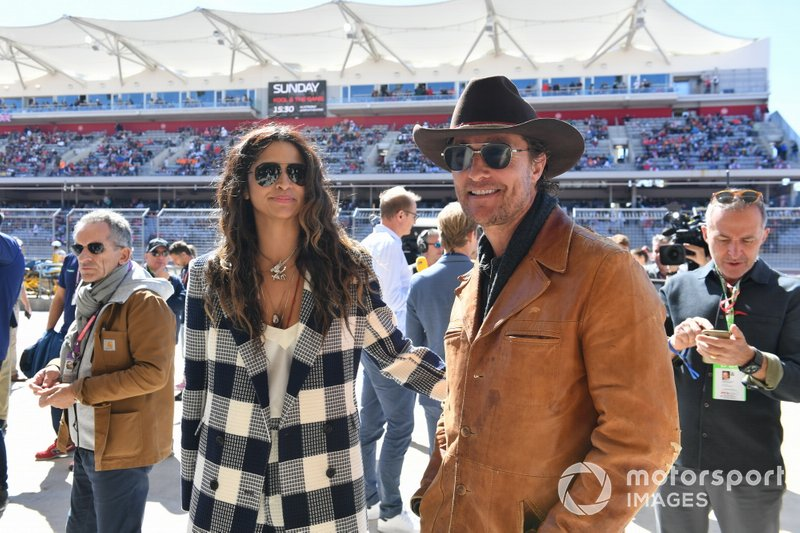Model Camila Alves and her husband, actor Matthew McConaughey