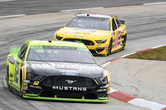 Ryan Blaney, Team Penske, Ford Mustang Menards/Richmond, Ryan Newman, Roush Fenway Racing, Ford Mustang Blue Bird