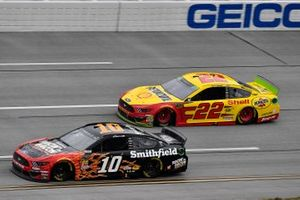 Aric Almirola, Stewart-Haas Racing, Ford Mustang Smithfield Racin' for Bacon, Joey Logano, Team Penske, Ford Mustang Shell Pennzoil