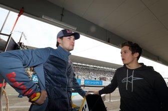 Гонщик B-MAX Racing with Motopark Харрисон Ньюи и Саша Фенестраз