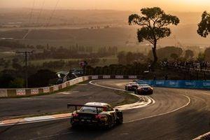 Эрл Бамбер, Лоренс Вантхор и Крейг Лаундес, Earl Bamber Motorsport, Porsche GT3 R (№1)