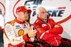 Scott McLaughlin, DJR Team Penske Ford, mit Roger Penske