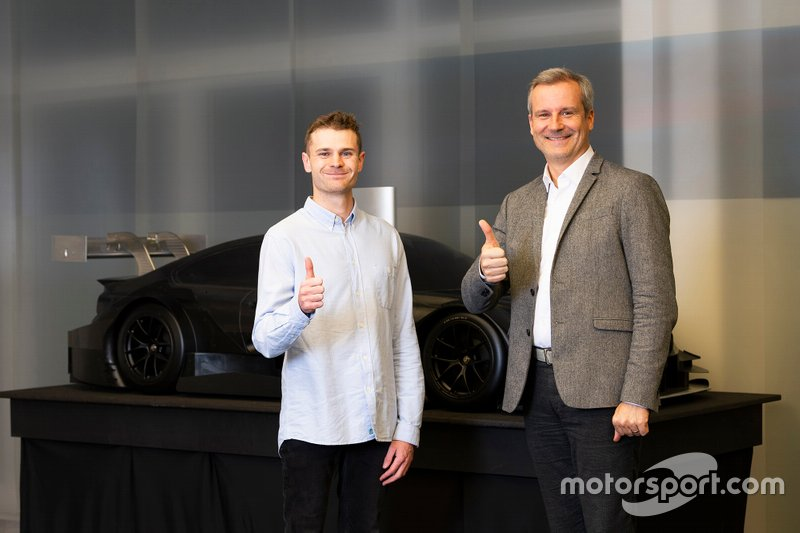 Jonathan Aberdein y Jens Marquardt, Director de BMW Group Motorsport