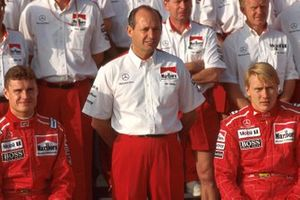 Ron Dennis, Mclaren Chief Executive with drivers David Coulthard and Mika Hakkinen