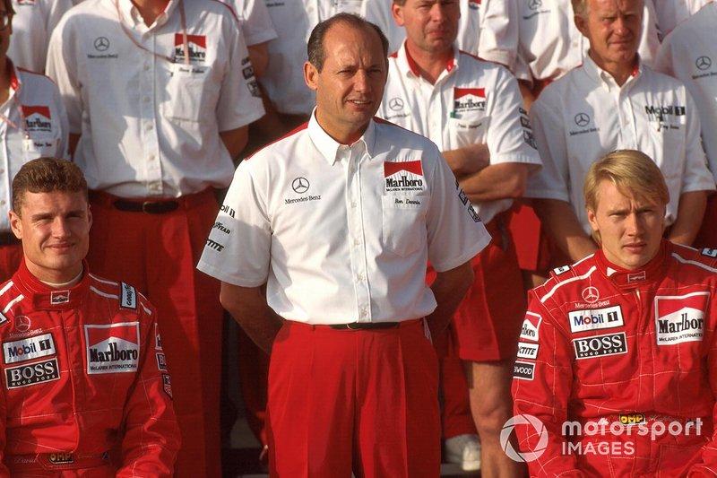 Чтобы освободить Жаку место, из Williams уволили Дэвида Култхарда – тот перешел в McLaren, сформировав пару с Микой Хаккиненом. Тогда никто и подумать не мог, что дуэт финна и шотландца установит рекорд по числу совместных выступлений в одной команде