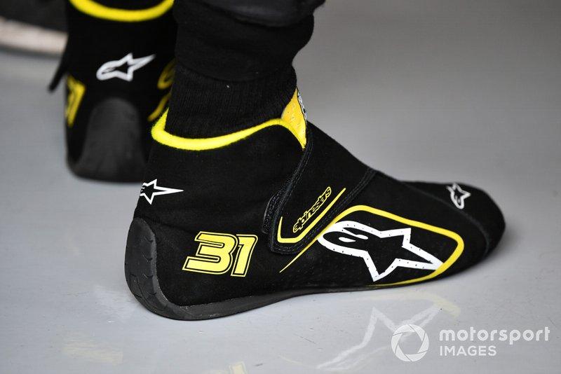 Les chaussures d'Esteban Ocon, Renault F1 Team