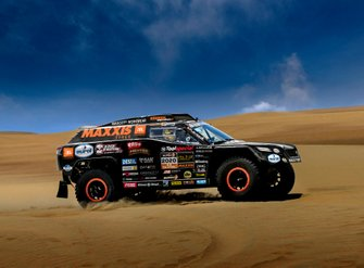 Tim Coronel en Tom Coronel met The Beast 3.0 voor de Dakar Rally 2020