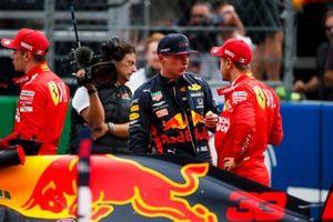 Ganador de la pole Max Verstappen, Red Bull Racing con Sebastian Vettel, Ferrari