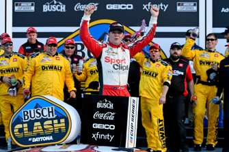 Erik Jones, Joe Gibbs Racing, Toyota Camry Sports Clips