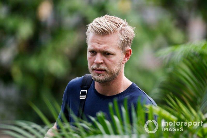 13 - Kevin Magnussen: 1'39.650