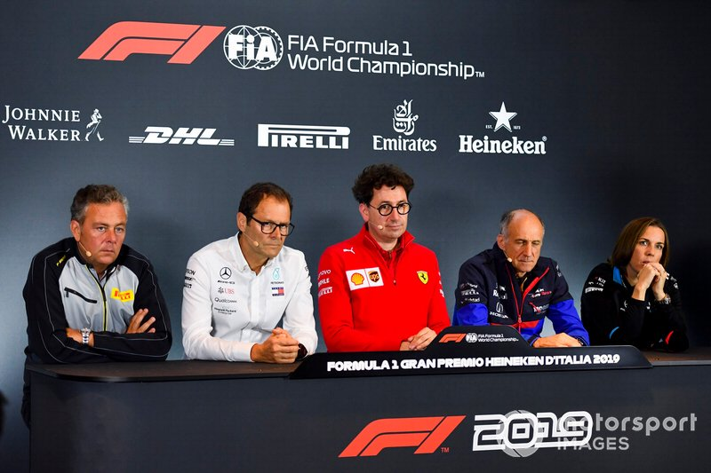 Mario Isola, Racing Manager, Pirelli Motorsport, Aldo Costa, Technical Advisor, Mercedes AMG, Mattia Binotto, Team Principal Ferrari, Franz Tost, Team Principal, Toro Rosso, e Claire Williams, Deputy Team Principal, Williams Racing, in una conferenza stampa