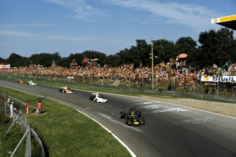 Ronnie Peterson, Lotus 72E leads Carlos Pace, Brabham BT44, and Emerson Fittipaldi, McLaren M23