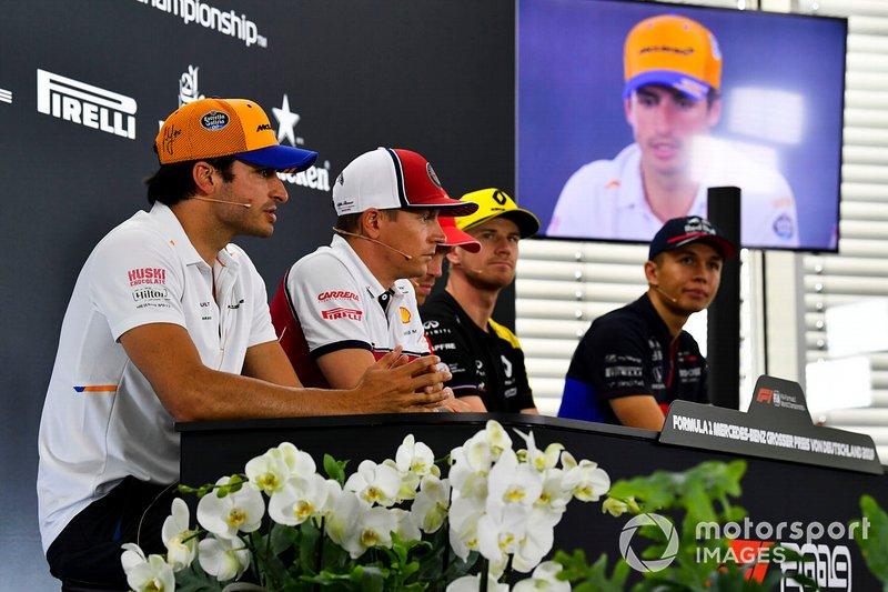 Carlos Sainz Jr., McLaren, Kimi Raikkonen, Alfa Romeo Racing, Sebastian Vettel, Ferrari, Nico Hulkenberg, Renault F1 Team et Alexander Albon, Toro Rosso lors de la conférence de presse