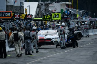 #25 BMW Team RLL BMW M8 GTE, GTLM: Tom Blomqvist, Connor De Phillippi Pit Stop