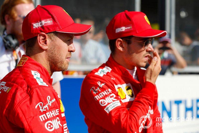 Il vincitore della Pole Charles Leclerc, Ferrari, e Sebastian Vettel, Ferrari