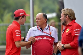 Charles Leclerc, Ferrari, en Frederic Vasseur, Teambaas, Alfa Romeo Racing