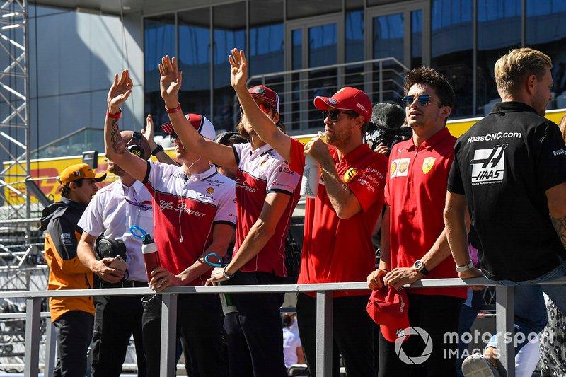 En las carreras sin público de 2020... ¿a quién van a saludar los pilotos? Se elimina el desfile previo