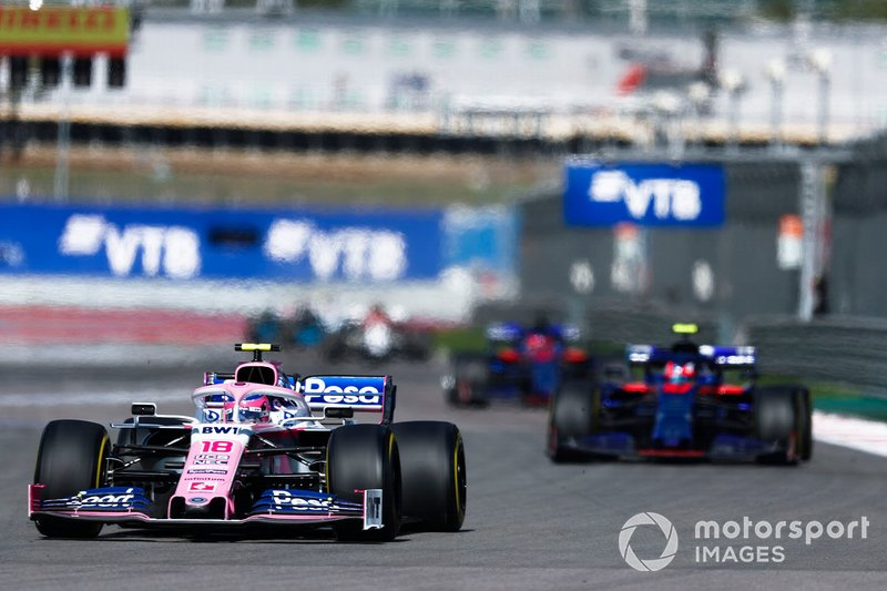 Lance Stroll, Racing Point RP19, precede Pierre Gasly, Toro Rosso STR14