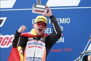 Podio: il vincitore della gara Aron Canet, Max Racing Team