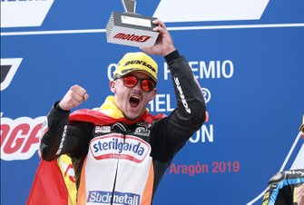 Podium: racewinnaar Aron Canet, Max Racing Team